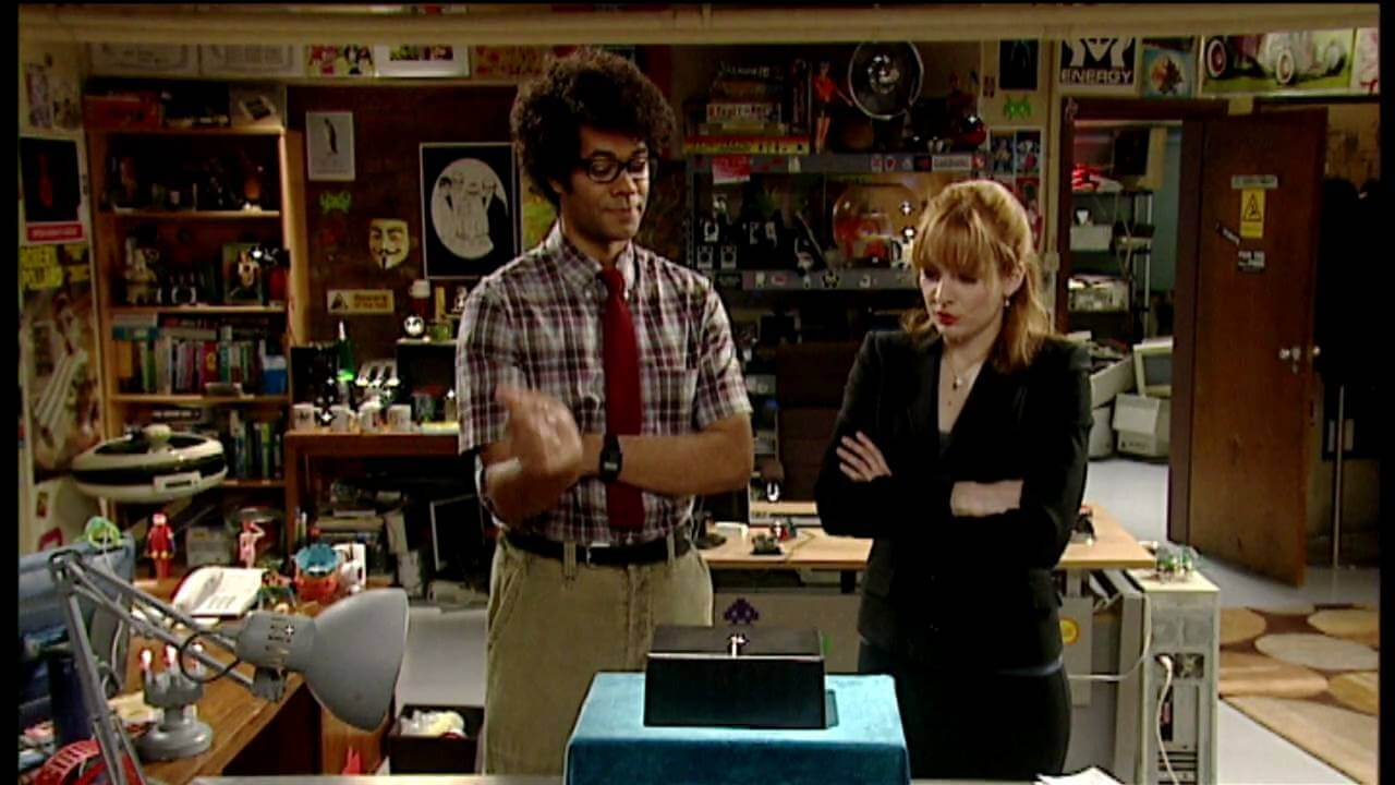 jan and moss with the internet from the it crowd
